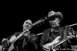 Dave & Phil Alvin & The Guilty Ones, Lisa Pankratz- drums, Brad Fordham- bass, Chris Miller-guitar 10.25.15 @ The Towne Crier Cafe, Beacon New York, 08.27.15. Credit: John Rocklin for Towne Crier. Photograph Copyright John Rocklin.